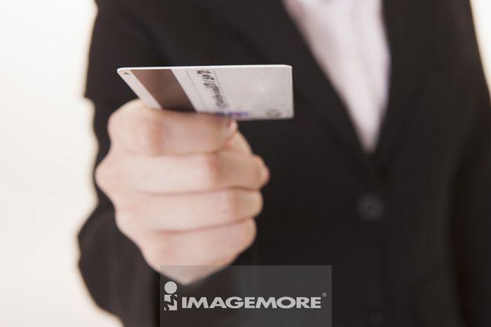 人物手部,信用卡