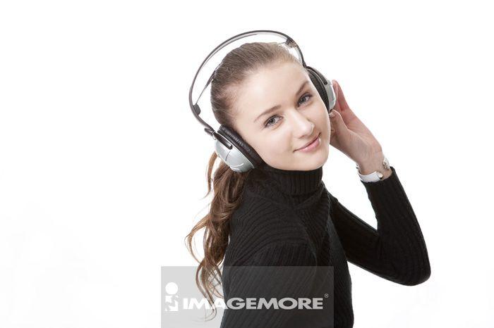 上半身,拿着,听音乐,正视,美人,愉快,毛衣,美丽的,活力,优雅,可爱