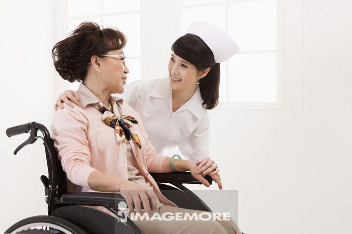 女护士,老年女人