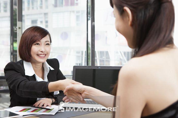 办公女性,合作
