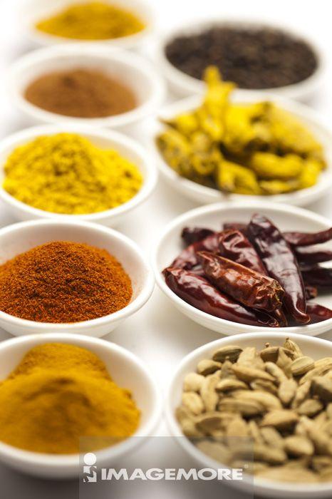 ,香料,姜黄粉,肉桂粉,辣椒粉,咖哩粉,姜黄,辣椒,肉桂,