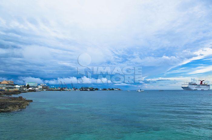 奢华,无人,海洋,室外,阴天,休闲娱乐,旅游景点,岩石,航行,沙子,风景