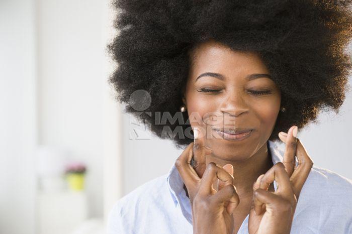 影像,微笑,许愿,女人,青年,青年女人,20-29岁,25-29岁,成人,非洲人,黑图片