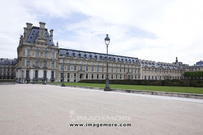 卢浮宫后花园