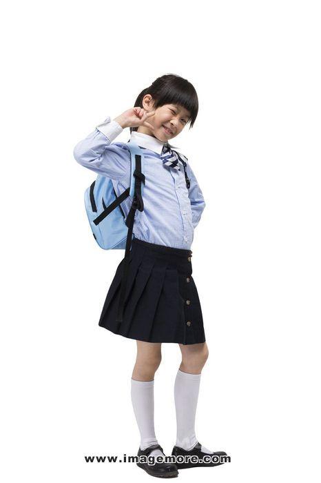 小女孩放学