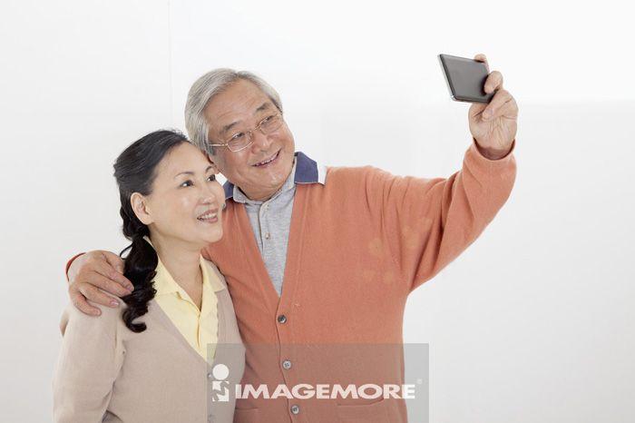 老年夫妻,