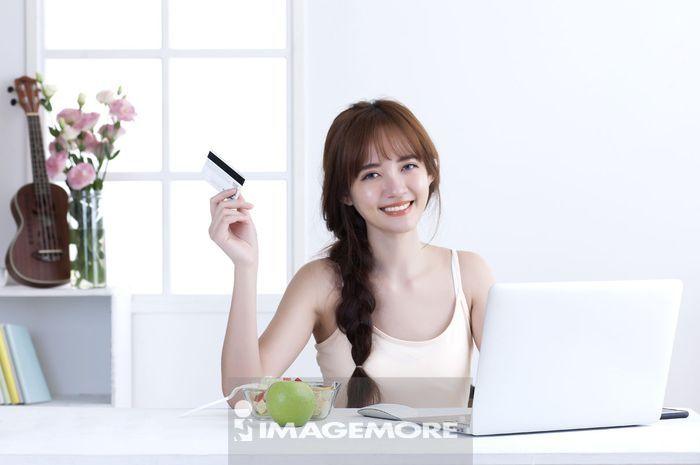 女性,网络购物,在线刷卡,