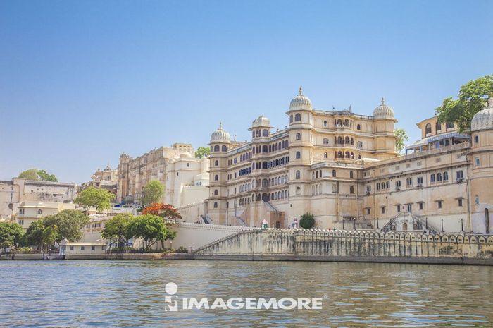 皮丘拉湖,乌代布尔城市宫殿,乌代布尔,印度,