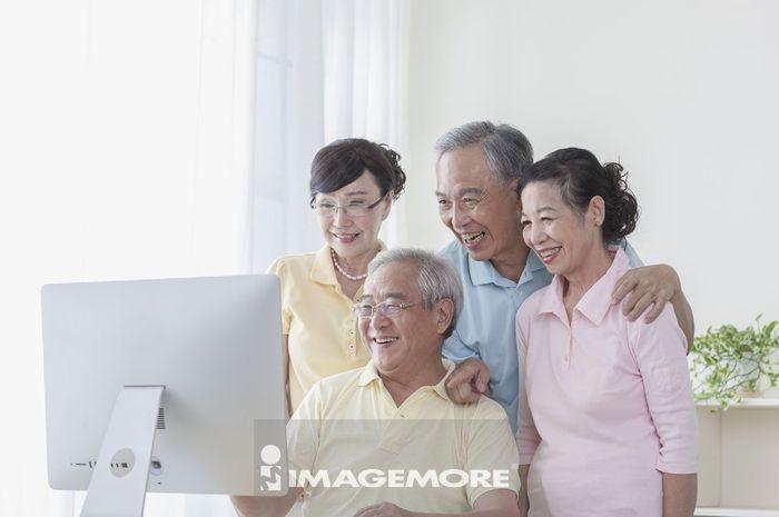 老年男人,老年女人,视讯,