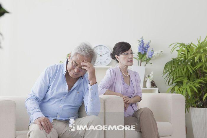 老年夫妻,吵架,