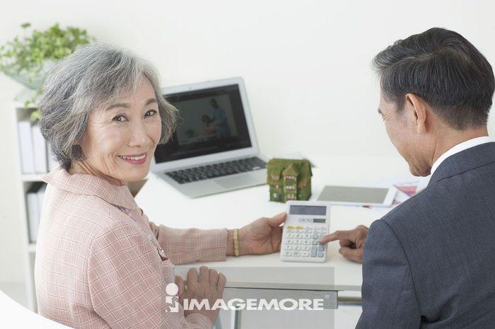 老年夫妻,投资,理财,
