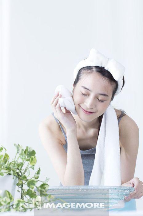 女性,洗脸,擦,