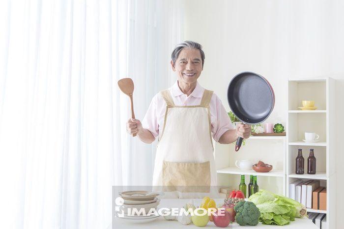 老年男人,厨房,