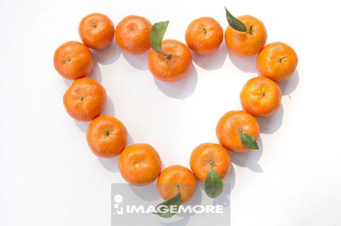 排成爱心的橘子