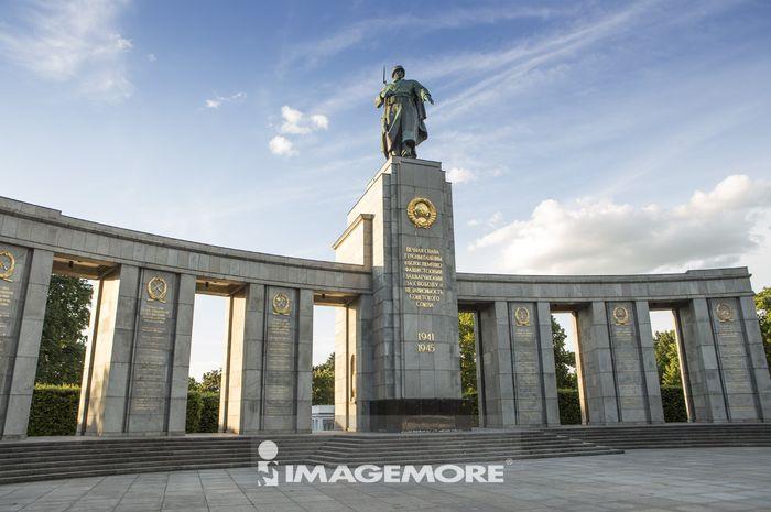 蒂尔加滕苏联战争纪念碑,大蒂尔加滕公园,柏林,德国,欧洲,