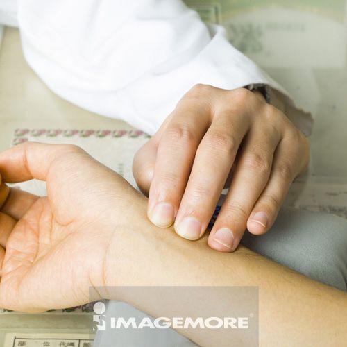 把脉,人物手部,医疗和医学