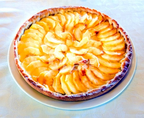 Torta di Mela (baked apple pie), Italy